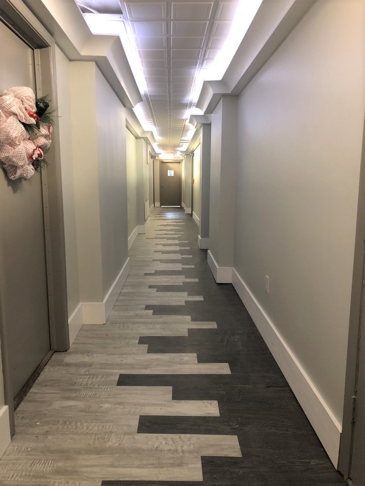 Contemporary Hallway Interior Designer
