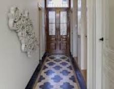 hallway04